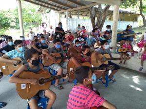 Proyecto de música en las colonias